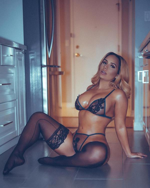 Sassy Mandy @sassy.mandy x Shauna @xshaaunax - Eames Alexander