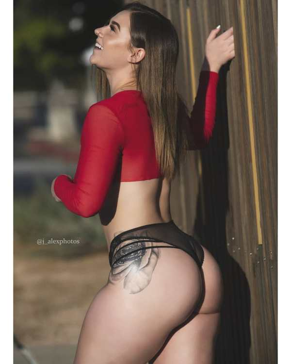 Badd Bunnie @badd.bunnie: Take It Outside – J. Alex Photos