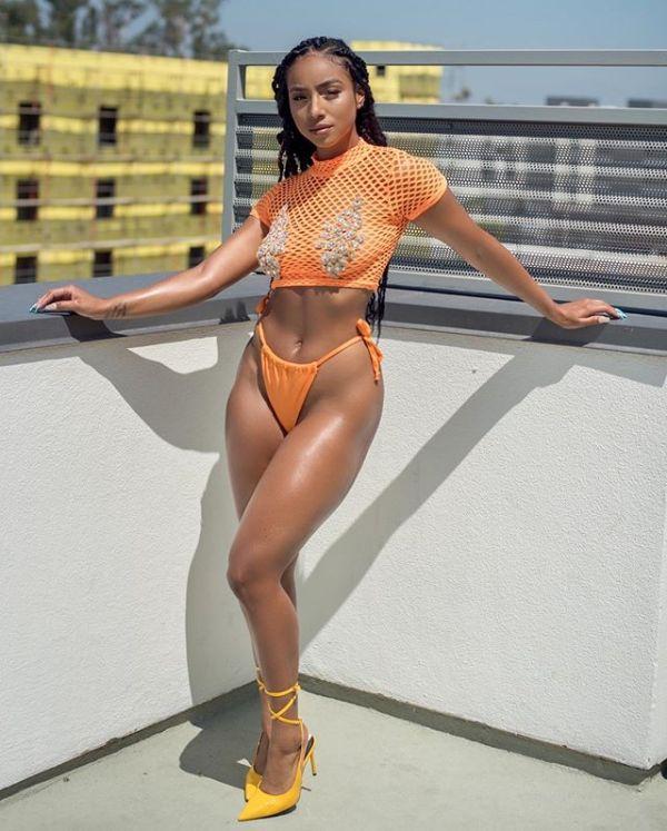 Whitney MeiHwa @whitney_mei_hwa x Photo Mark