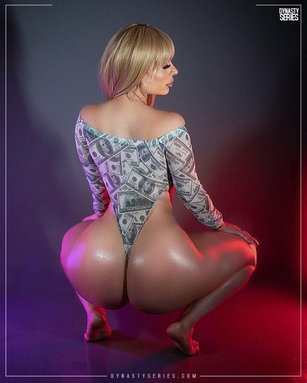 Anatasia @annamilas - Introducing - Yayo Snaps x @gmodelentmgmt
