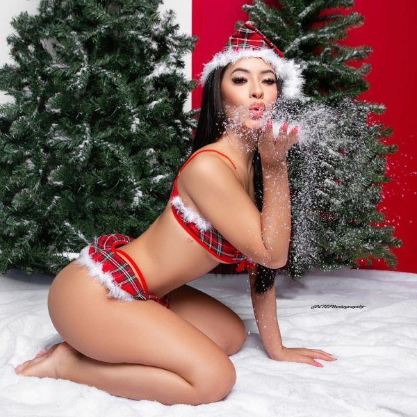 Demi Raquel @demi.raquel x Nashali Blu @nashaliblu: 2 Gifts for Christmas - CTE Photography