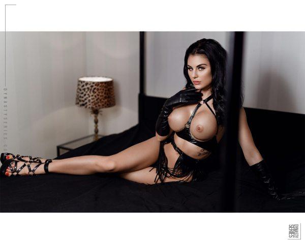 Izunia Motyl @izunia.motyl - Introducing - Helsing Photo x @gmodelentmgmt