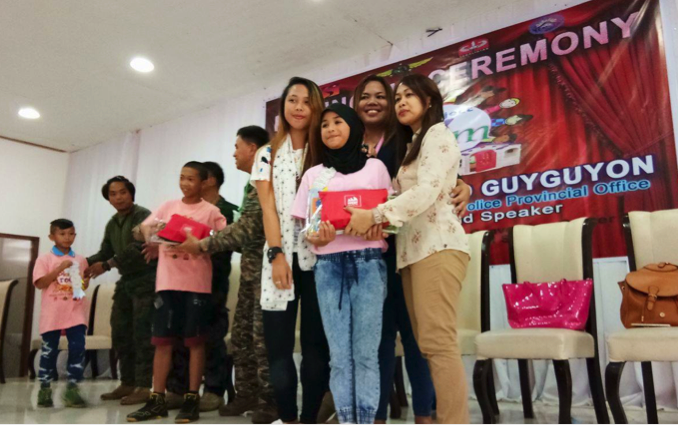 dyosathemomma: Mommy Bloggers Philippines help kids in Marawi