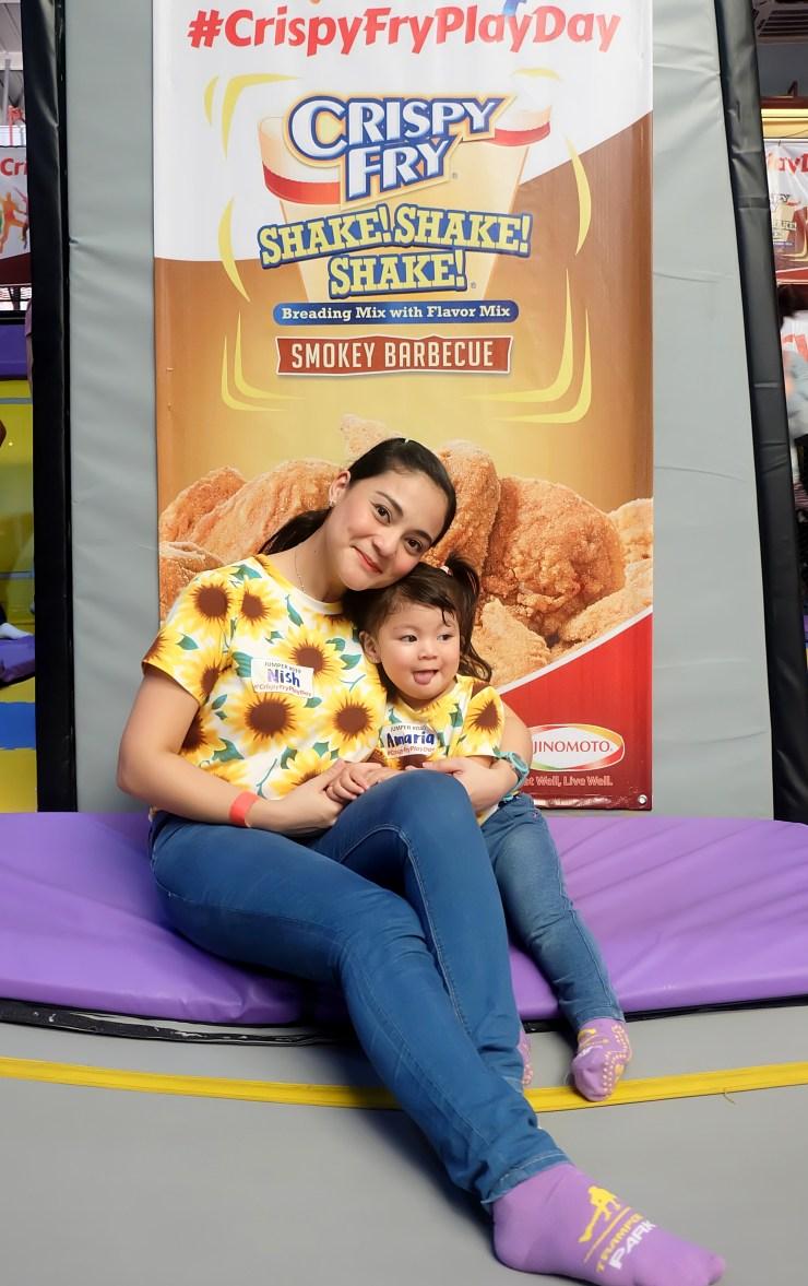 dyosathemomma: Crispy Fry Shake Shake Shake with Donna Cruz at Trampoline Park #CrispyFryPlayDay
