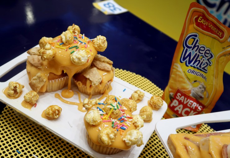 dyosathemomma: Cheez Whiz #Cheeseventions creative snacks for kids