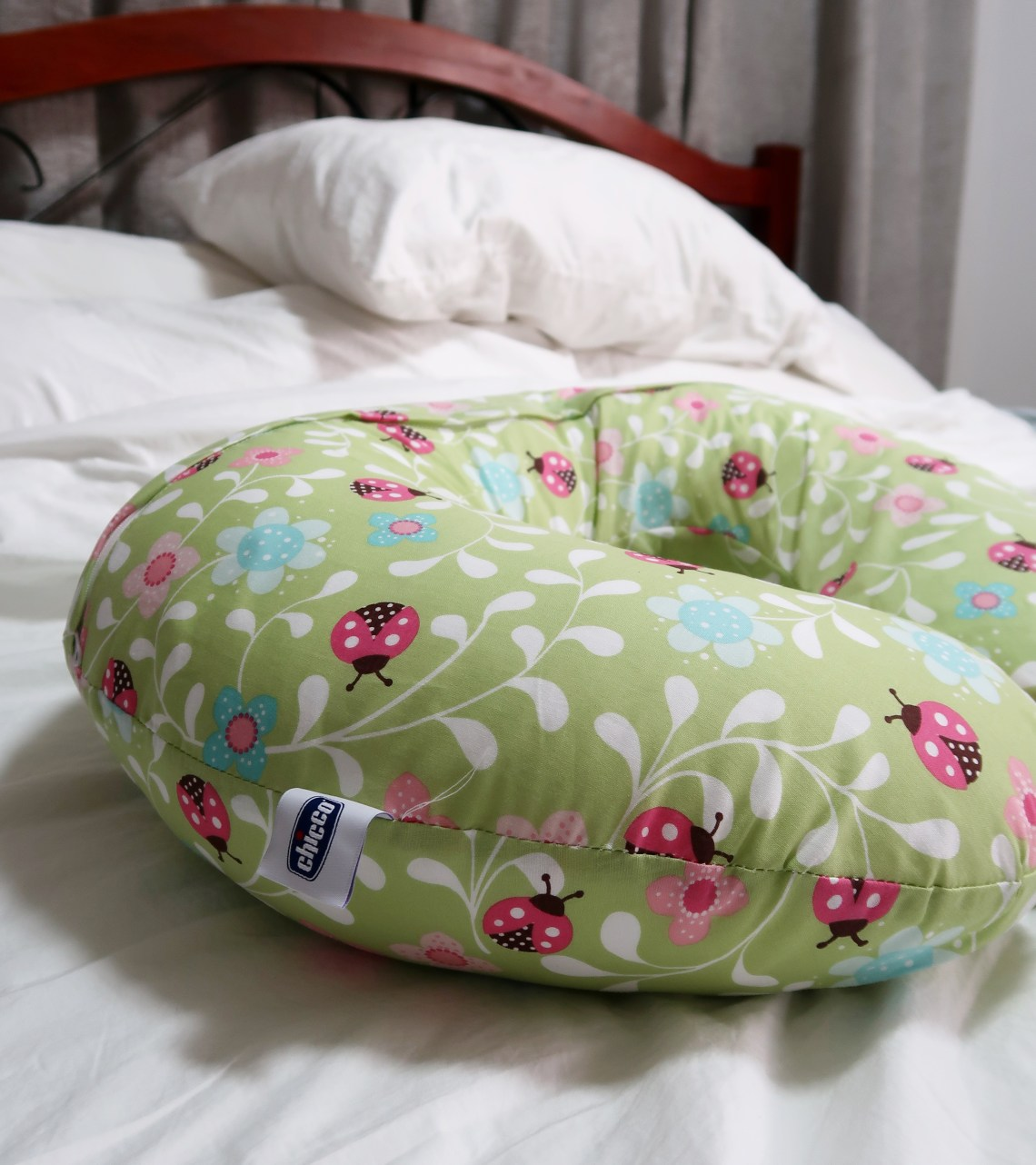 dyosathemomma: Top Breastfeeding Essentials, Chicco Boppy Nursing and Infant Support Pillow