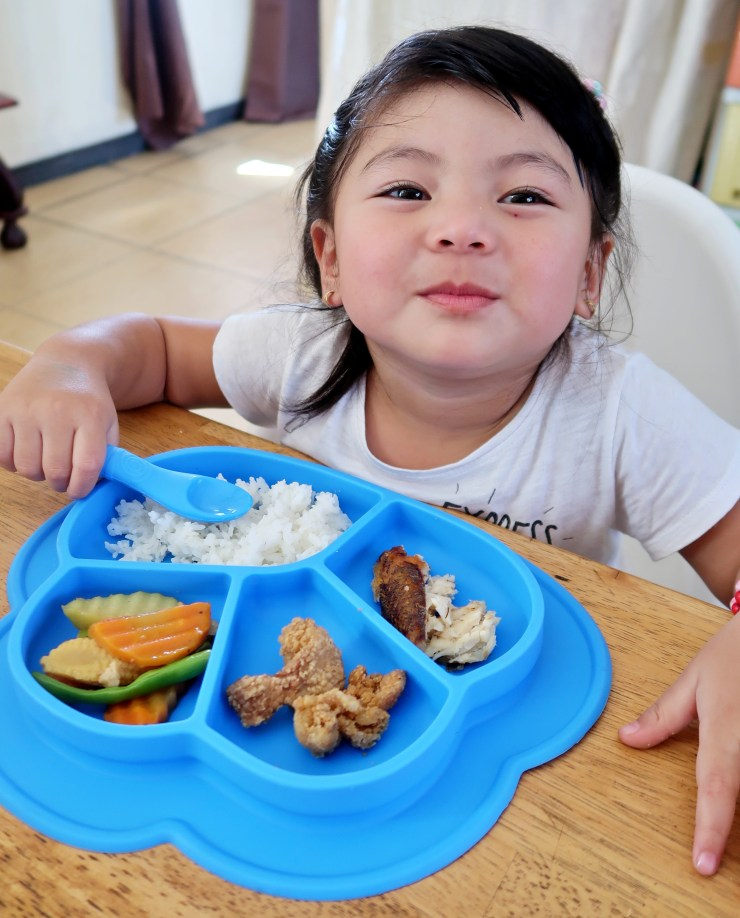 dyosathemomma: Li'l Twinkies review, mommy blogger ph, Anti-Slip Silicone Dish Plate, AmNiszhaGirl
