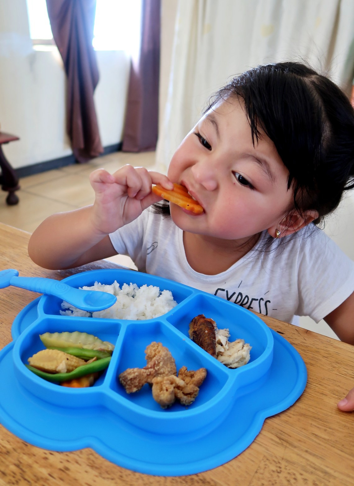 dyosathemomma: Common Rainy Day Illnesses-How to Prevent Rainy Day Diseases-Kids eating healthy-AmariaNiszha