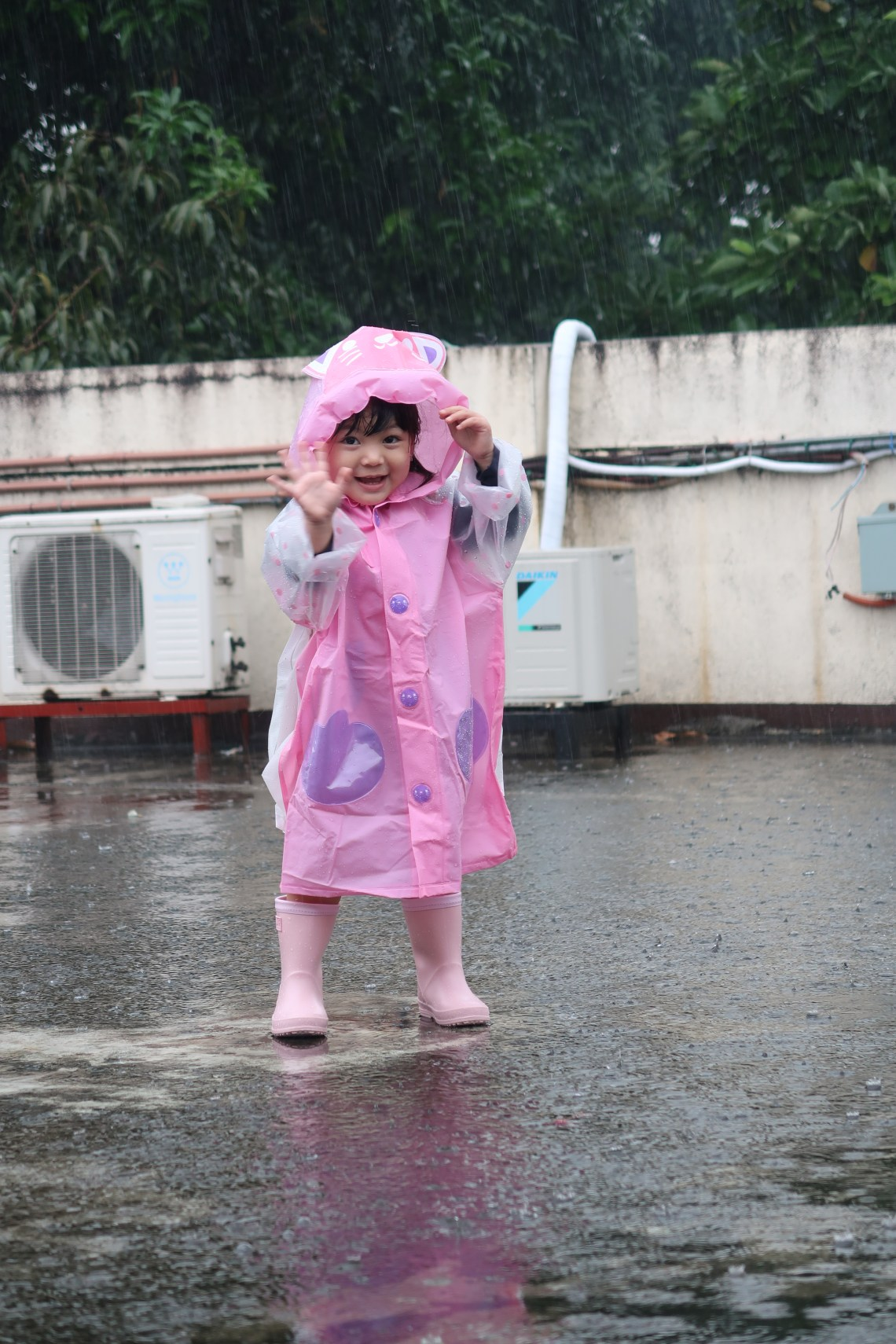 dyosathemomma: Common Rainy Day Illnesses-How to Prevent Rainy Day Diseases-Kids playing in the rain-AmariaNiszha