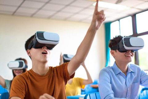 4 Inventive Examples of Virtual Reality in Education