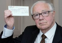 82-річний британець пожертвував найбільшу в історії суму для хворих на Альцгеймер