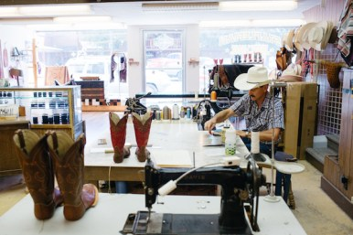 photo:gwen shoemaker Stapleman boot and shoe. Pendleton custom boot shop.