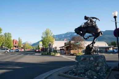 1859 Magazine, Joseph, Oregon, Trip Planner, Downtown Main Street Bronze Sculpture, Sights, Evening