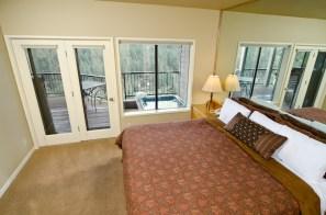 King-Guestroom-in-Suite