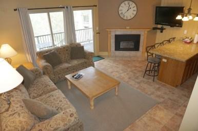 Ski-House-Loft-Condo-Living-Room-4