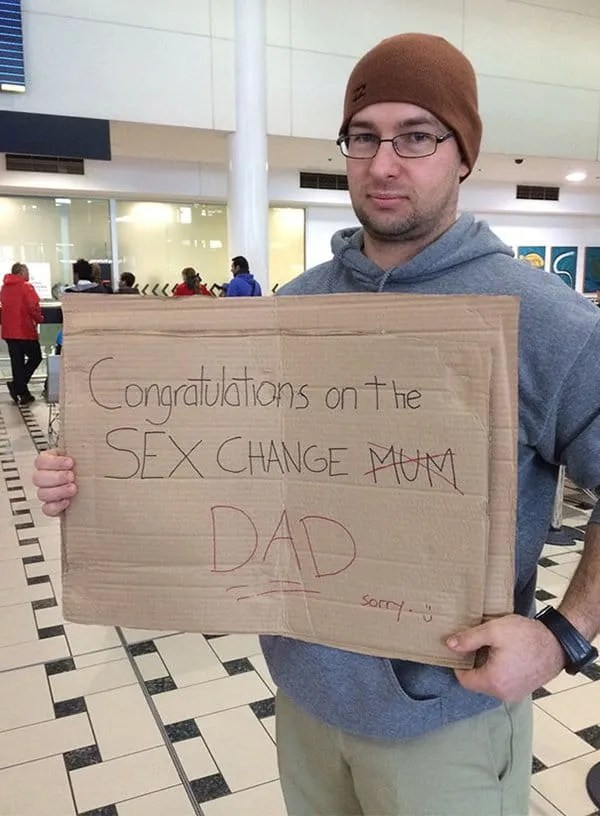 Hilarious Photos Captured At Airports - Harmony Everyday