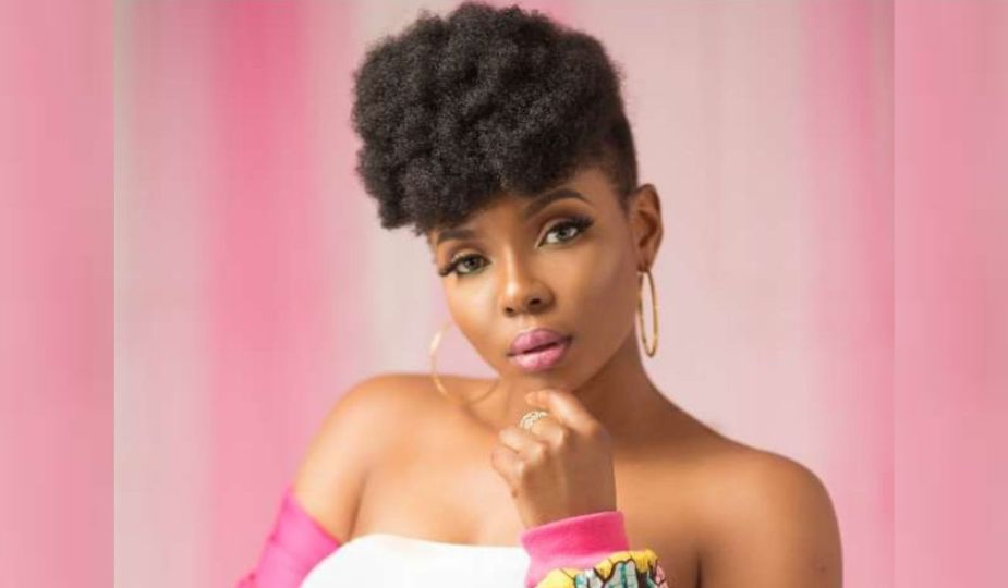 Coiffure stars africaines - Yemi Alade, chanteuse nigériane