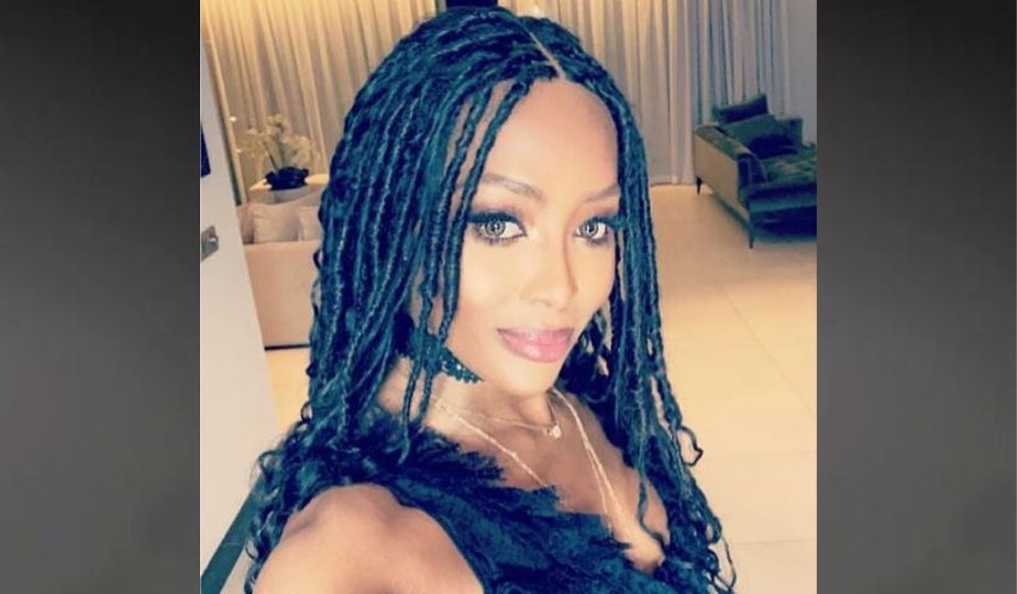 Naomi Campbelle en nattes africaines (fausses locks)