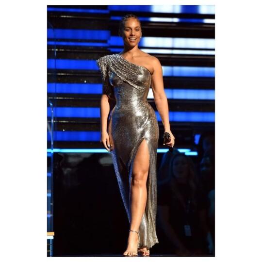 Alicia Keys en nattes collées aux Grammy Awards 2020