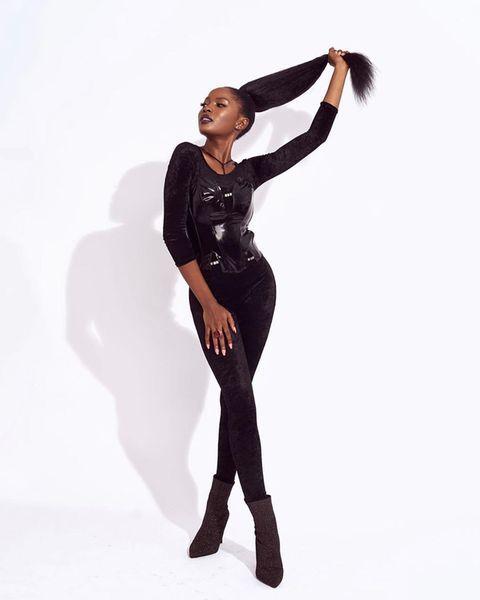 Jemima Osunde (actrice) en afro et postiche