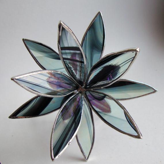 3D Stained Glass Suncatcher - In Full Bloom Iridescent Black Flower