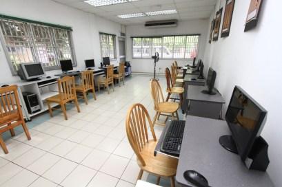 學院設備-電腦室 (2)