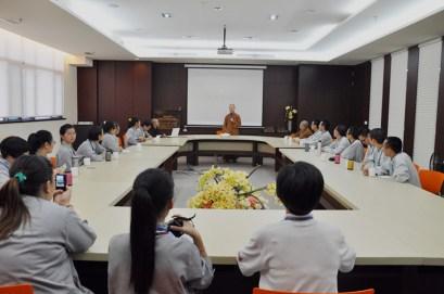 2014-06-11-馬來西亞同學來訪,都監妙士法師與其會談