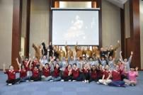 2014-06-15-馬來西亞同學與培訓班同學破冰遊戲-大合照