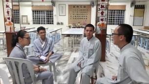 東禪佛教學院同學商討招生對策。