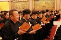 佛光會馬來西亞協會督導林文階帶一家大小參加三皈五戒戒會。