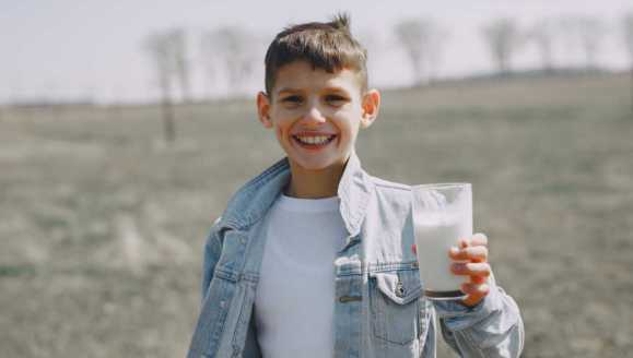 """""""Pij mleko, będziesz wielki – to ściema"""". Rozmowa z Jarkiem Kaniewskim"""