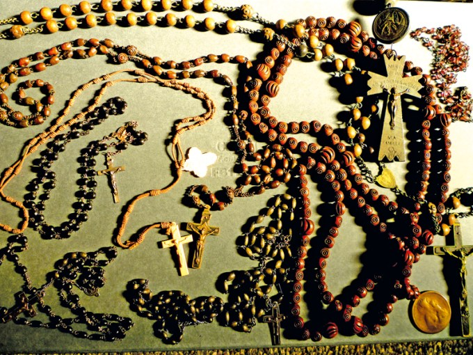 Kolekcja różańców w Muzeum Polskim w Ameryce fot.K. Balutowska