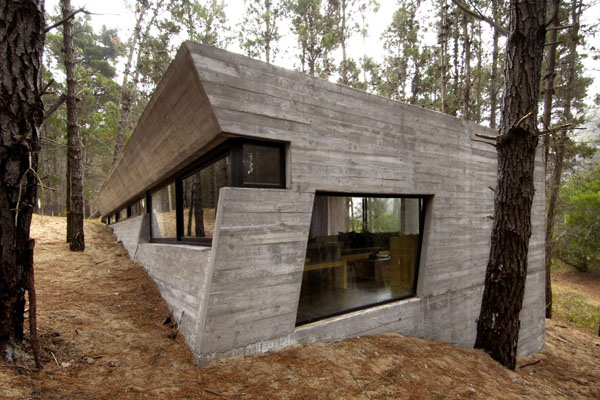 concrete-house_forest-mar-azul_argentina-03