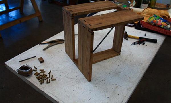ernest-foldable-stool