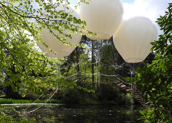 balloon-bridge-by-Olivier-Grossetête-tatton-park-05