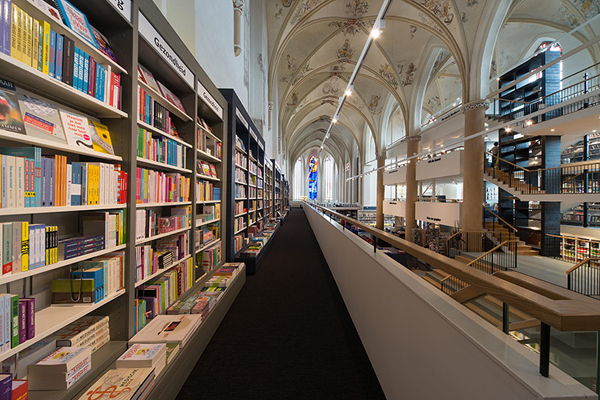 broerenkerk-church-transformed-into-a-bookstore-zwolle-netherlands-010