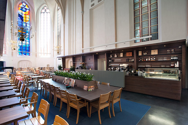 broerenkerk-church-transformed-into-a-bookstore-zwolle-netherlands-012