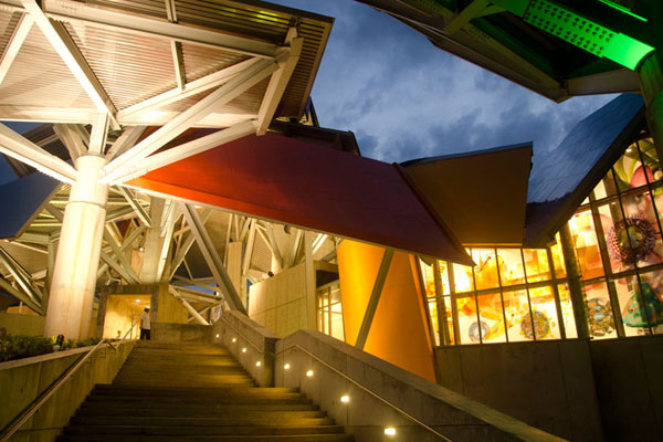 frank-gehry-biomuseum-in-panama-07