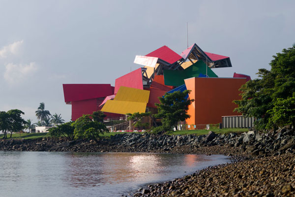 frank-gehry-biomuseum-in-panama-11