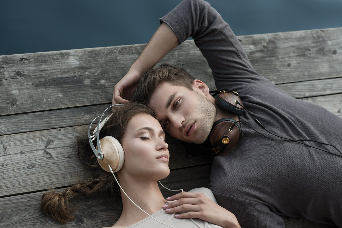99 Classics Headphones - 01
