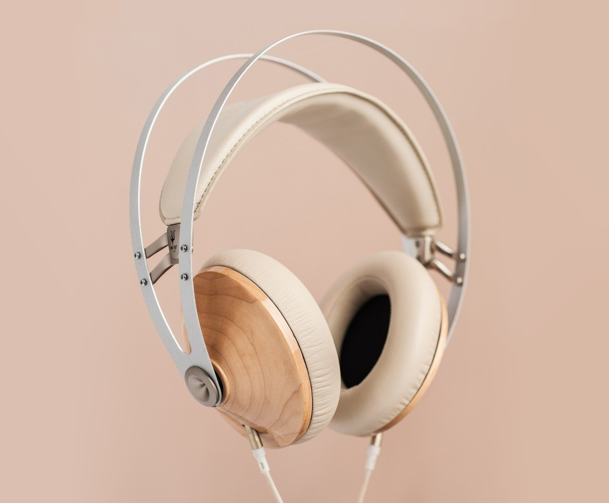 99Classics Headphones in Silver