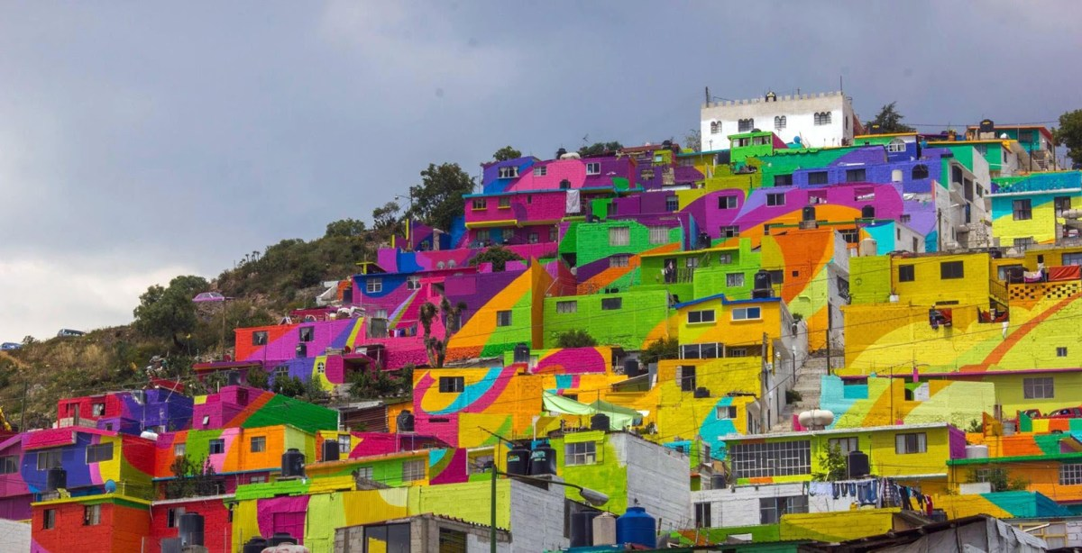 Macro Mural in Mexico by Germen Crew - 01