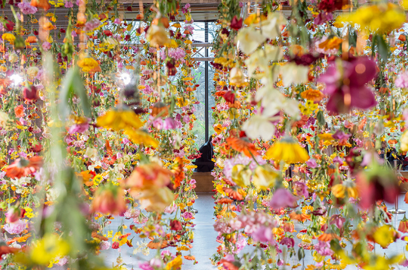 Spring garden installation by Rebecca Louise Law at Bikini Berlin Concept Mall - 02