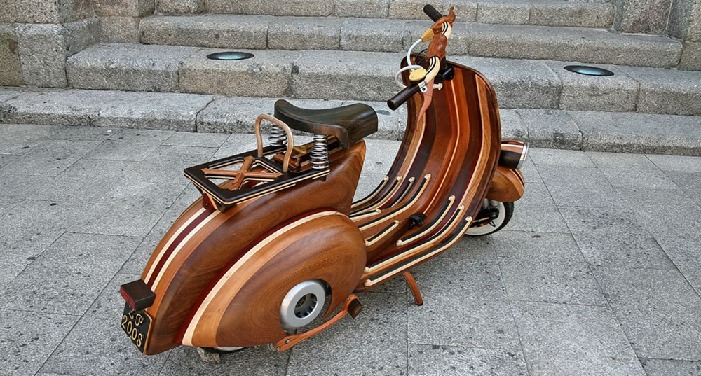 Wooden Vespa designed by Carlos Alberto - 02