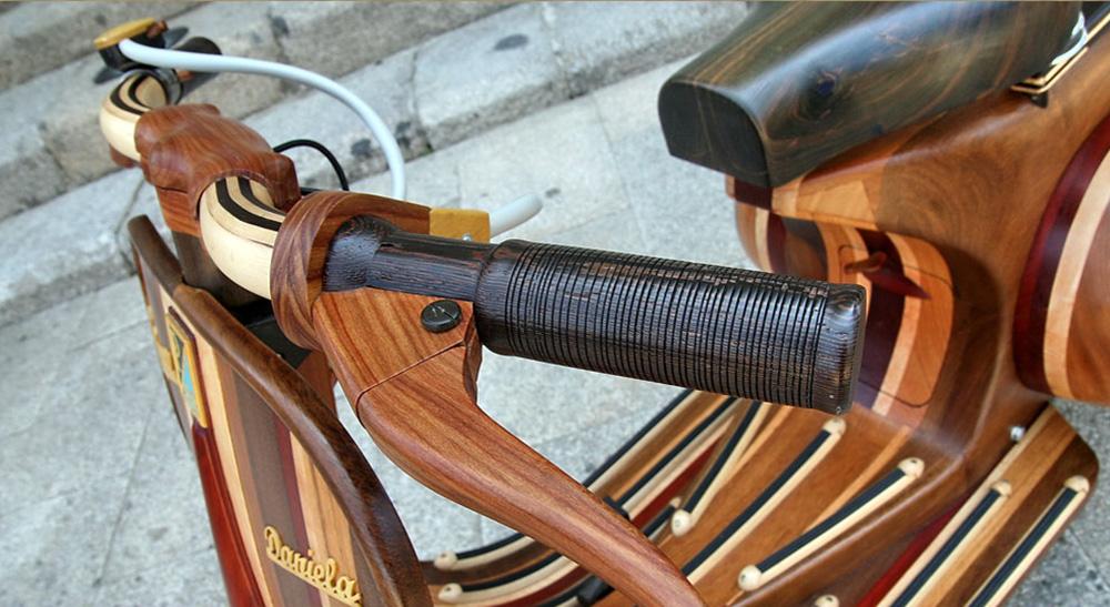 Wooden Vespa designed by Carlos Alberto - 06