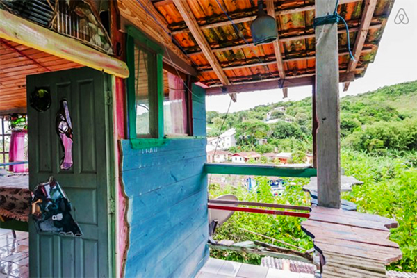 airbnb-brazil-Jaime-Recycled-Cabin-6