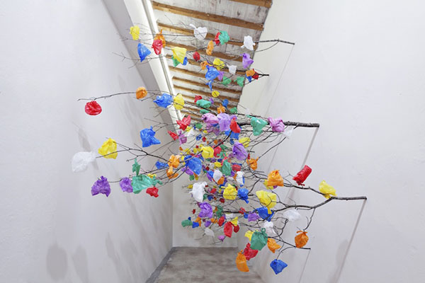 plastic-tree-c-installation-art-dubai-02