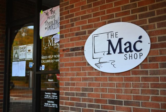 """An exterior view of """"The Mac Shop"""" in Wilmington, Delaware is seen on October 21, 2020. - The New York Post last week revived allegations against Hunter Biden with a story claiming it had obtained documents from a laptop owned by the former vice president's son which was brought in for repairs to the shop in April 2019 but never picked up. The Post claimed that emails found on the laptop showed that Hunter Biden introduced his father to a Burisma advisor, Vadym Pozharskyi, in 2015 and contradict Joe Biden's claims that he never spoke to his son about his overseas business dealings. The Post said the shop owner handed the laptop over to the FBI and also made a copy of the hard drive and gave it to former New York mayor Rudy Giuliani. (Photo by Angela Weiss / AFP) (Photo by ANGELA WEISS/AFP via Getty Images)"""