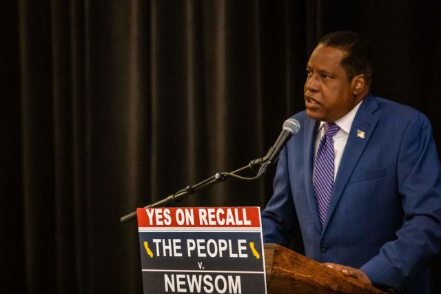 Conservative talk show host and gubernatorial recall candidate Larry Elder speaks during a press conference on September 12, 2021 in Los Angeles, California. - Rose McGowan and the candidate for governor Larry Elder discussed her allegations that Jennifer Siebel Newsom, Governor Gavin Newsom's wife, tried to bribe her in order to suppress the bombshell Harvey Weinstein sexual abuse scandal. (Photo by Apu GOMES / AFP) (Photo by APU GOMES/AFP via Getty Images)