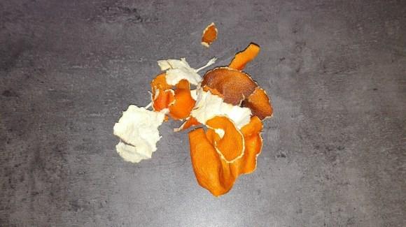 Vysušené šupky z mandariniek